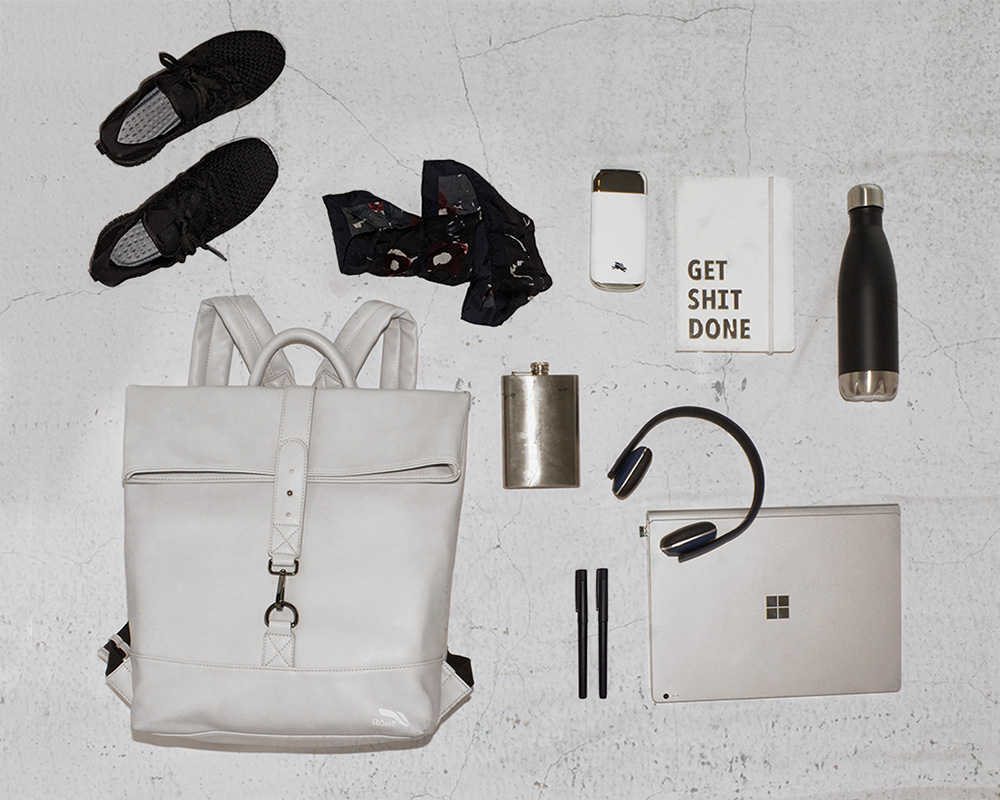 Romb Smart Backpack flat lay in Concrete Grey